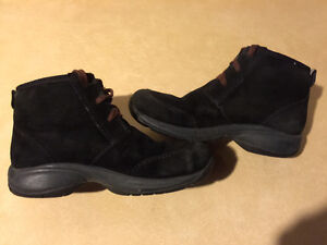 Women's Merrell Warm Shoes Size 6 London Ontario image 5