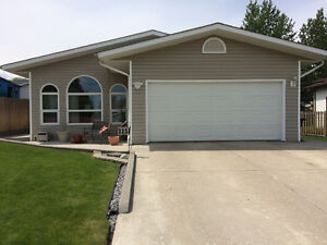 Home For Sale On Hansen Drive in Hinton AB