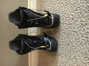 Men's nearly new Burton Driver X Size 7.5 Boots