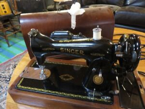 VINTAGE SINGER SEWING MACHINE IN ALMOST PERFECT CONDITION, ASKIN