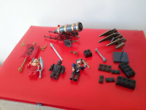 Mega Bloks pyrates 4 figurines + 1 Canon pirates 4 action figure