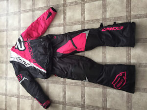 Brand New women's snow suite for sale