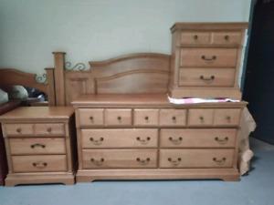 Solid Wood 6 Piece KING Bedroom Set