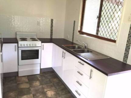 House with 3 bed rooms $400 (All inclusive)