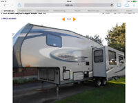 2012 Jayco fifth wheel 26.5 2 pull out