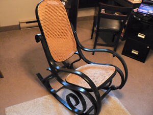 ROCKING CHAIR FOR NURSARY OR OTHER