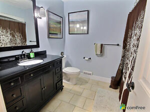 5 Bedroom Large home backing on park,  west end with inlaw suite Kingston Kingston Area image 7