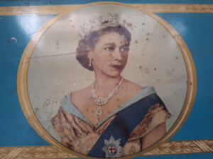 Vintage Queen Elizabeth 2nd Tin Box Collectable