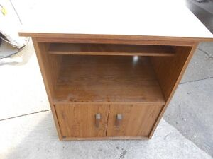 SMALL WOODEN TABLE FOR AN APPLIANCE