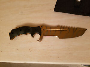 Selling Counter Strike tiger tooth huntsman collectable knife.
