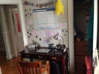 SUMMER SUBLET, Close to Queen's Main Campus