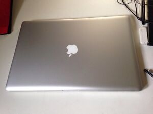 "MacBook Pro 17"" for parts"
