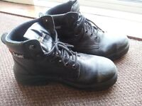 FREE - Work Boots 'Goliath' with steel toes - size 9