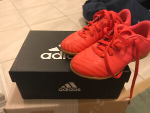 Adidas Kids Indoor Soccer Shoes - Size 11K ( In great condition)