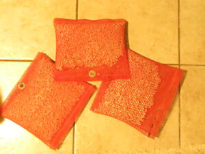 7 Calcium chloride drying bags for removing odor and moisture.