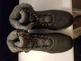 Like New!Men Boots 11