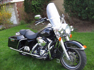 2004 BLACK HARLEY ROAD KING
