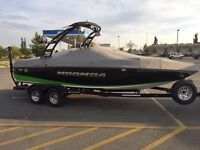 2015 Moomba Mobius LSV Surf Edition