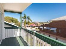 Large townhouse in Coorparoo seeks housemate Coorparoo Brisbane South East Preview
