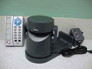 X10 Base mobile VK74A pour caméra de surveillance. $75.00