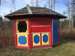 Playhouse for Free! - Must be gone before November 10, 2017
