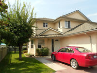 Spacious Townhome in Oliver