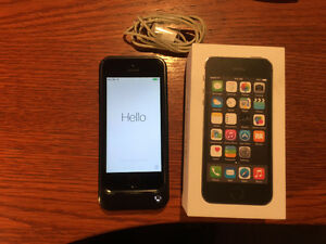 iPhone 5S 32GB Black w/ Otter Box Case