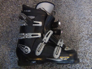 Lots of fun and easy to use Salomon snow blades!!