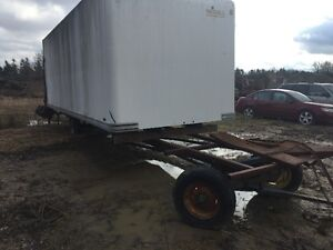 22 FOOT UNICELL BOX WITH HEAVY DUTY TAILGATE