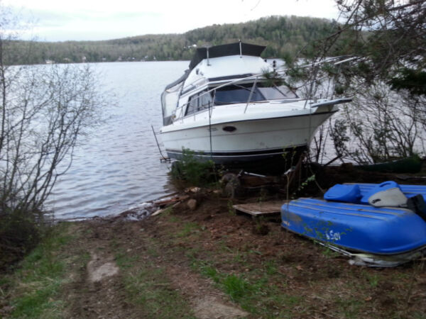 Used 1988 Other prowler flying bridge 26 pieds
