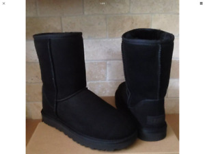 UGG boot in woman size 8 brand new in black