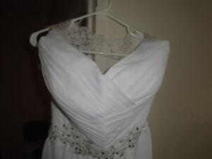 STUNNING WEDDING DRESS VESTIDO DE NOIVA SIZE 10 BRAND NEW $199
