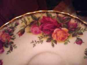 Royal Albert old counyry rose garden tea cup with saucer Kingston Kingston Area image 5
