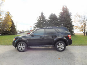 2009 Ford Escape XLT V6 4WD- ONE OWNER & NEW SNOW TIRES!!