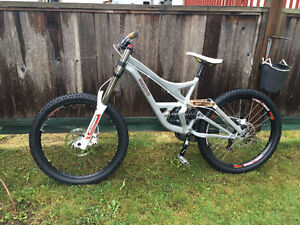 Specialized Demo 8 downhill bike EVERYTHING brand new or rebuilt