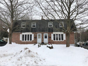 Side by side duplex with basement inlaw suite!