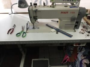 Pfaff 1163 - Sewing Machine - Machine a coudre - Montreal