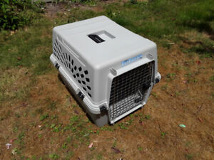 """Deluxe Quality Dog Crate - 26""""Long x 18.5""""Wide x 16""""High"""