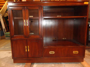 Kroehler Cherry TV / Display Cabinet