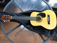 Half-size acoustic classic - brilliant condition, ideal for beginners