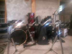 Drum gear and kit.