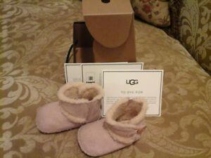 UGG pour bébé fille