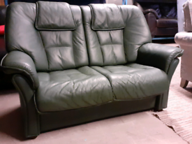 Green Leather 2 Seater Sofa 🤩excellent condition 🤩