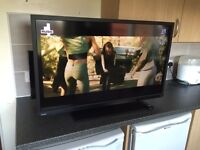 """TOSHIBA 40"""" HD LED TV/DVD COMBO WITH BUILTIN FREEVIEW"""