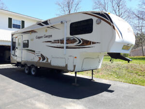Copper Canyon 252 RLS 5th wheel for sale