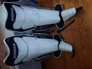 Box lacrosse goalie equipment