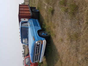 1973 Ford 1 ton with hoist