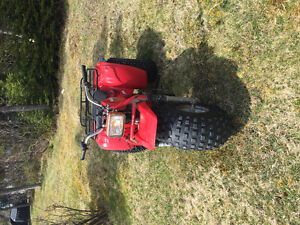 ***1984 honda 200m runs great get on and go $500***