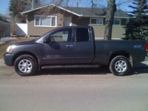 Only 207,000kms! New Tires! 2007 Nissan Titan SL 4x4 $7800 obo