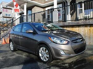 2014 Hyundai Accent GLS / 1.6L / FWD / Very low KM's! *MINT*